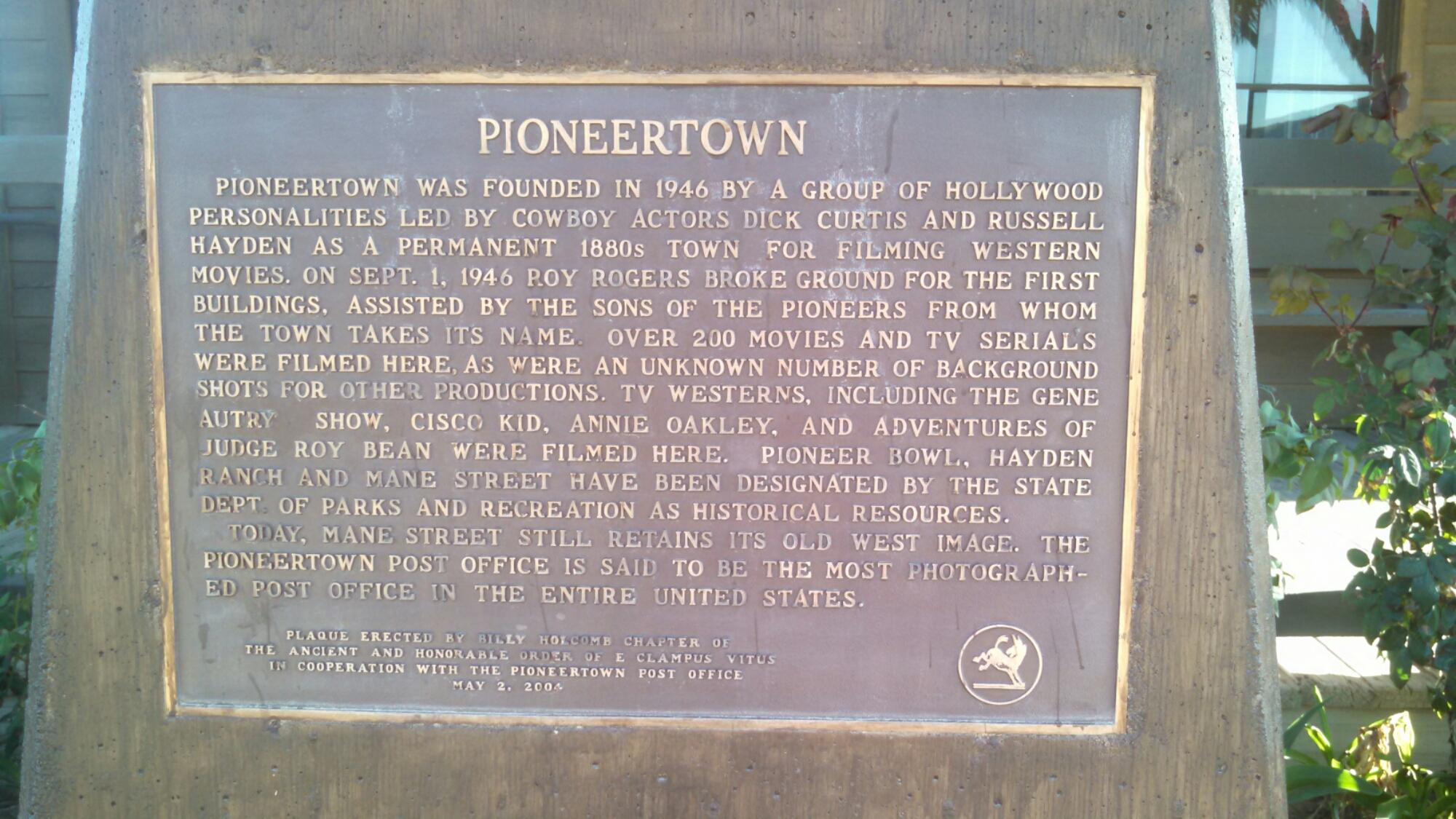 wpid wp 1427040300716 - LFTR - US - CA - Roadside oddities make me happy. Giant Rock, Integratron, Pioneer town