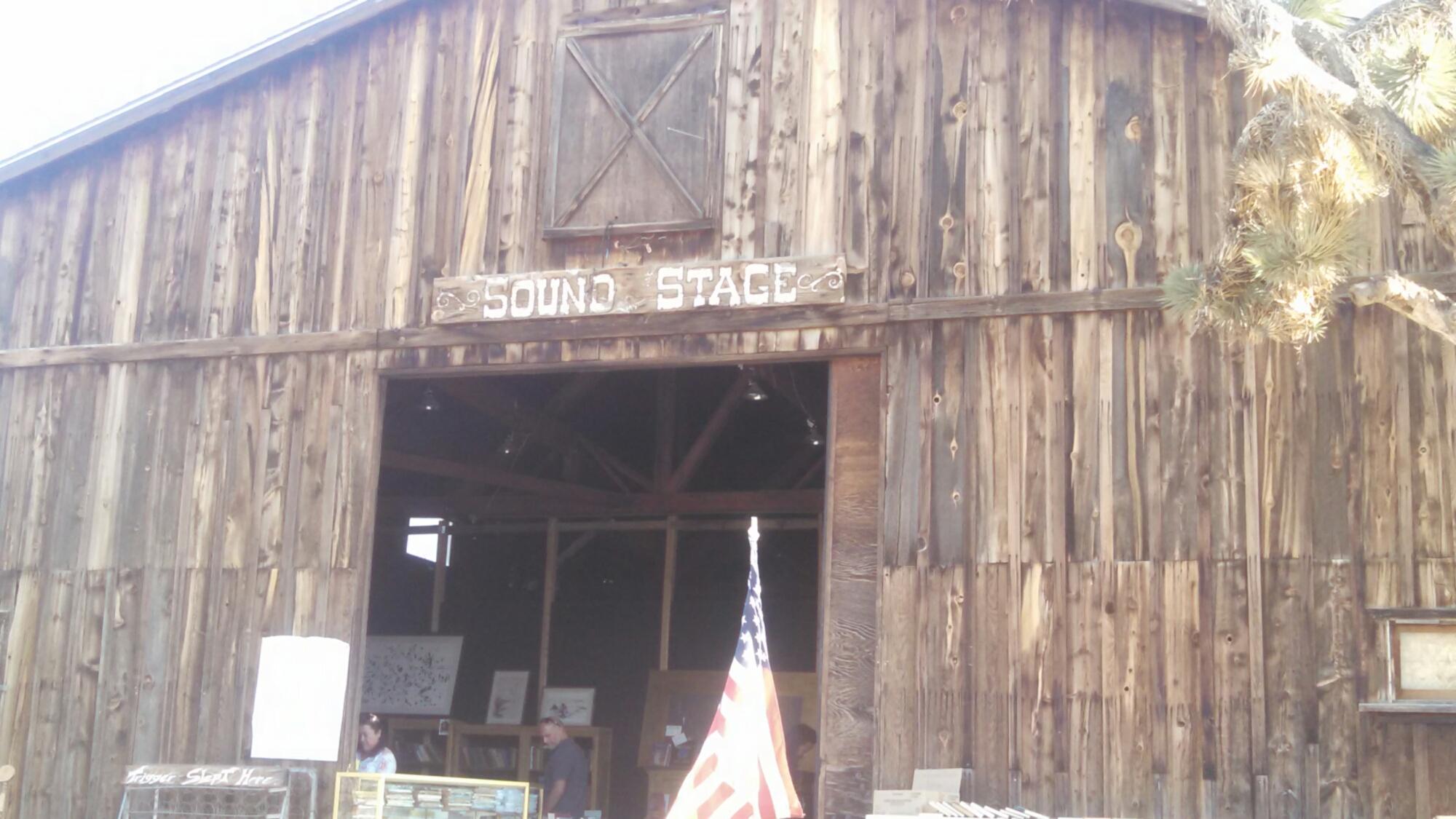 wpid wp 1427040415522 - LFTR - US - CA - Roadside oddities make me happy. Giant Rock, Integratron, Pioneer town